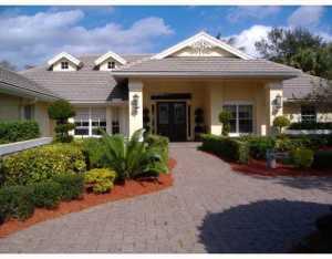 Maison unifamiliale pour l Vente à 8033 NW 47 Drive Coral Springs, Florida 33067 États-Unis