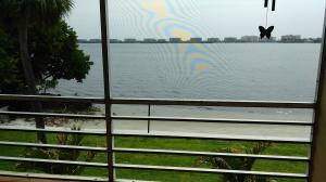 Additional photo for property listing at 1428 S Lakeside Drive 1428 S Lakeside Drive Lake Worth, Florida 33460 United States