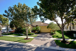 House for Sale at 9748 Via Grandezza 9748 Via Grandezza Wellington, Florida 33411 United States