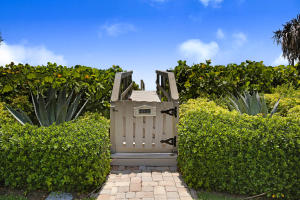 Additional photo for property listing at 5500 Old Ocean Boulevard 5500 Old Ocean Boulevard Ocean Ridge, Florida 33435 United States