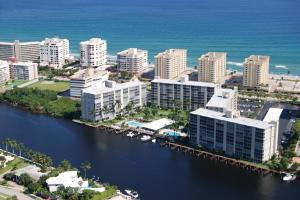 شقة بعمارة للـ Rent في 3224 S Ocean Boulevard 3224 S Ocean Boulevard Highland Beach, Florida 33487 United States