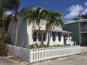 Commercial for Sale at 516 SW Camden Avenue Stuart, Florida 34994 United States