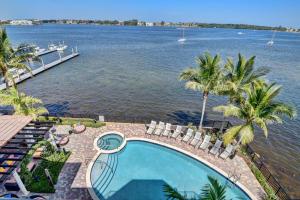 Condomínio para Venda às 2700 N Federal Highway 2700 N Federal Highway Boynton Beach, Florida 33435 Estados Unidos