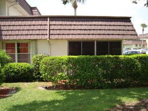Additional photo for property listing at 12004 Poinciana Boulevard 12004 Poinciana Boulevard Royal Palm Beach, Florida 33411 United States