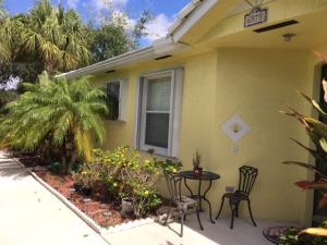 Additional photo for property listing at 6971 Blue Skies Drive 6971 Blue Skies Drive Lake Worth, Florida 33463 United States