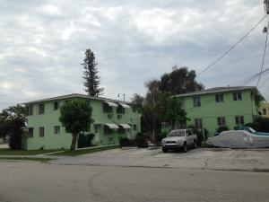 商用 为 销售 在 3015 Broadway 3015 Broadway 西棕榈滩, 佛罗里达州 33407 美国