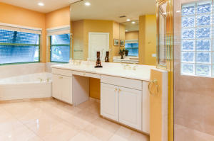Additional photo for property listing at 370 SW 16th Street 370 SW 16th Street 博卡拉顿, 佛罗里达州 33432 美国