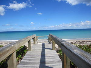 Additional photo for property listing at 5801 N Ocean Boulevard 5801 N Ocean Boulevard Ocean Ridge, Florida 33435 United States