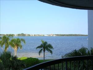 Condominium for Rent at 8200 Lakeshore Drive Hypoluxo, Florida 33462 United States