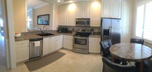 Condominium for Rent at 15 Harbour Isle Drive 15 Harbour Isle Drive Hutchinson Island, Florida 34949 United States