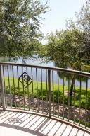 Additional photo for property listing at 500 Crestwood Court 500 Crestwood Court Royal Palm Beach, Florida 33411 États-Unis