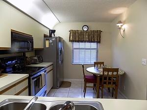 Additional photo for property listing at 3020 Florida Boulevard 3020 Florida Boulevard Delray Beach, Florida 33483 États-Unis