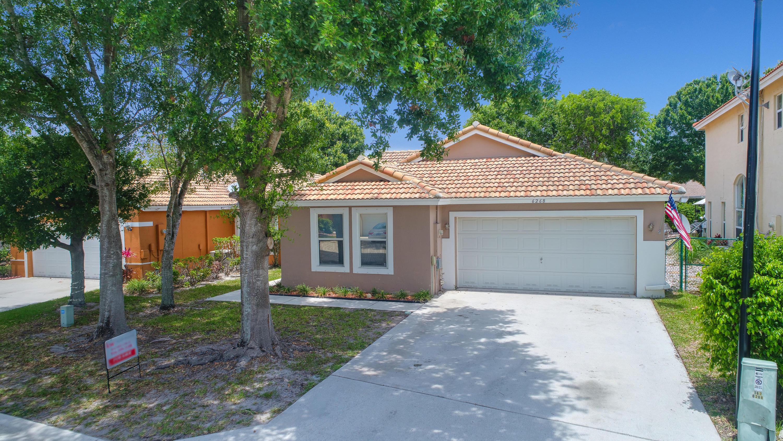 6268 Willoughby Circle Lake Worth, FL 33463