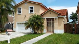 Casa Unifamiliar por un Alquiler en 21321 SW 97th Court Cutler Bay, Florida 33189 Estados Unidos