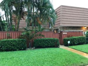 Residência urbana para Locação às Waterford Courtyards, 2942 SW 11th Place 2942 SW 11th Place Deerfield Beach, Florida 33442 Estados Unidos