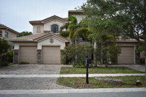Single Family Home for Sale at 647 Edgebrook Lane Royal Palm Beach, Florida 33411 United States