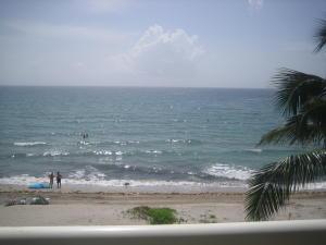 Condomínio para Venda às 1199 Hillsboro Mile Hillsboro Beach, Florida 33062 Estados Unidos