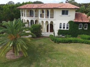 Single Family Home for Sale at 4 Marguerita Drive Stuart, Florida 34996 United States