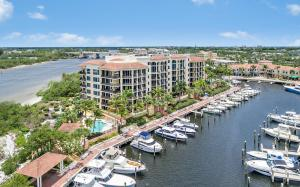 Pointe At Jupiter Yacht Club