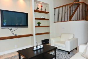 Additional photo for property listing at 2463 NW 63rd Street 2463 NW 63rd Street Boca Raton, Florida 33496 United States