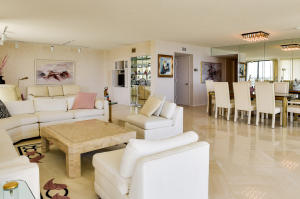 Additional photo for property listing at 3300 S Ocean Boulevard 3300 S Ocean Boulevard Palm Beach, Florida 33480 Vereinigte Staaten