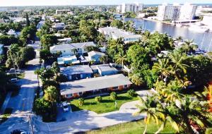 Mehrfamilienhaus für Verkauf beim 711 SE 2nd Street 711 SE 2nd Street Delray Beach, Florida 33483 Vereinigte Staaten