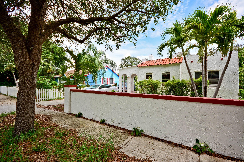635 34th Street West Palm Beach, FL 33407