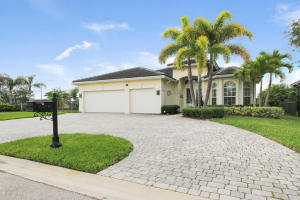 Single Family Home for Sale at 771 SW River Bend Circle 771 SW River Bend Circle Stuart, Florida 34997 United States