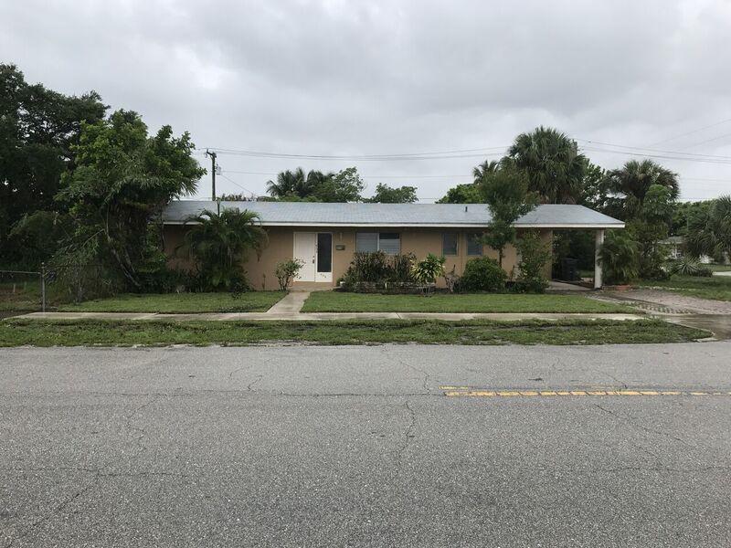 454 Bayberry Drive West Palm Beach, FL 33403
