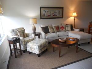 Condomínio para Locação às 2400 S Ocean Drive 2400 S Ocean Drive Fort Pierce, Florida 34949 Estados Unidos