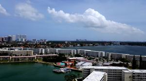 Additional photo for property listing at 18031 Biscayne Boulevard 18031 Biscayne Boulevard Aventura, Florida 33160 États-Unis