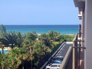 Condominium for Rent at 145 S Ocean Avenue 145 S Ocean Avenue Palm Beach Shores, Florida 33404 United States