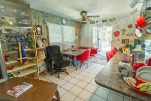 Additional photo for property listing at 920 SW 2nd Street 920 SW 2nd Street Boca Raton, Florida 33486 États-Unis