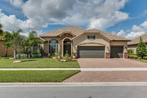 Single Family Home for Sale at 4101 Siena Circle 4101 Siena Circle Wellington, Florida 33414 United States