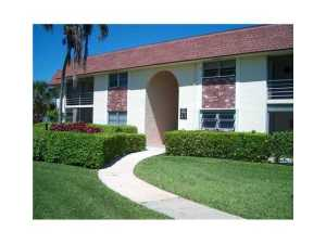 Additional photo for property listing at 22765 SW 66th Avenue 22765 SW 66th Avenue Boca Raton, Florida 33428 États-Unis