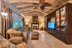 Property for sale at 560 NE 20Th Avenue, Deerfield Beach,  FL 33441