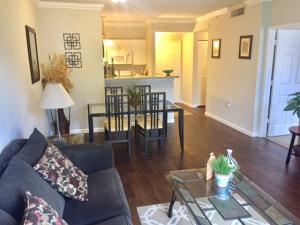 Appartement en copropriété pour l à louer à 630 S Sapodilla Avenue 630 S Sapodilla Avenue West Palm Beach, Florida 33401 États-Unis