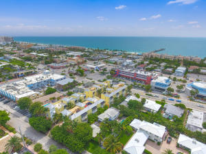 Additional photo for property listing at 4332 Sea Grape Drive 4332 Sea Grape Drive Lauderdale By The Sea, Florida 33308 États-Unis