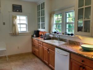 Additional photo for property listing at 357 Marlborough Road 357 Marlborough Road West Palm Beach, Florida 33405 Estados Unidos