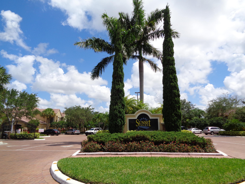 10342 Fox Trail Road 1409 Royal Palm Beach, FL 33411