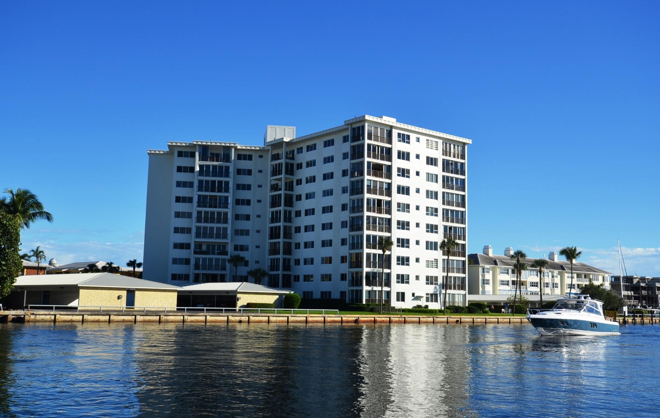 86 Macfarlane Drive 1-J Delray Beach, FL 33483 photo 1