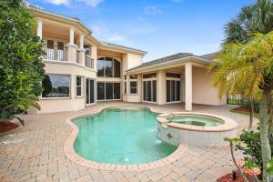 独户住宅 为 销售 在 623 Edgebrook Lane 623 Edgebrook Lane 西棕榈滩, 佛罗里达州 33411 美国