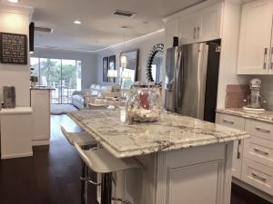 Condominio por un Alquiler en 200 N El Mar Drive Jensen Beach, Florida 34957 Estados Unidos