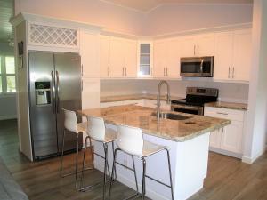 Casa para uma família para Venda às 720 Enfield Road 720 Enfield Road Delray Beach, Florida 33444 Estados Unidos