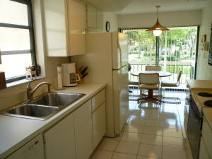 Additional photo for property listing at 7773 Lakeside Boulevard 7773 Lakeside Boulevard Boca Raton, Florida 33434 Estados Unidos
