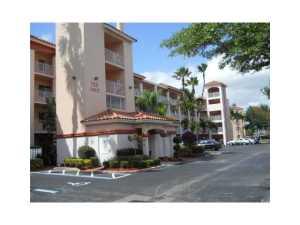 Condomínio para Locação às Huntington Pointe, 14111 Royal Vista Drive 14111 Royal Vista Drive Delray Beach, Florida 33484 Estados Unidos