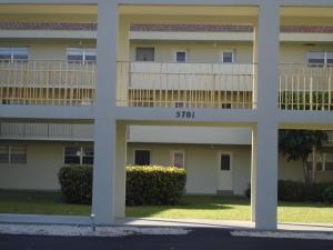 Condominio por un Alquiler en BOCA TEECA, 5701 NW 2nd Avenue 5701 NW 2nd Avenue Boca Raton, Florida 33487 Estados Unidos
