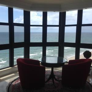 共管式独立产权公寓 为 销售 在 1155 Hillsboro Mile 希尔斯波罗海滩, 佛罗里达州 33062 美国