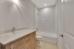 Additional photo for property listing at 1125 Kingston Lane 1125 Kingston Lane Delray Beach, Florida 33483 États-Unis