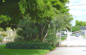 Additional photo for property listing at 1910 Spanish Trail 1910 Spanish Trail Delray Beach, Florida 33483 États-Unis
